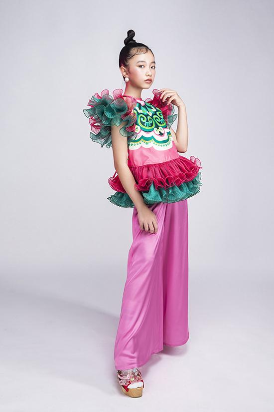Asian Kids Fashion Week (AKFW) được tổ chức lần đầu tiên vào năm 2017. Sau các mùa thành công, chương trình năm nay sẽ được tổ chức trong hai ngày  22/11 và 23/11 tại TP HCM.