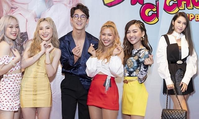 Khổng Tú Quỳnh, Song Luân đến mừng nhóm Lip B