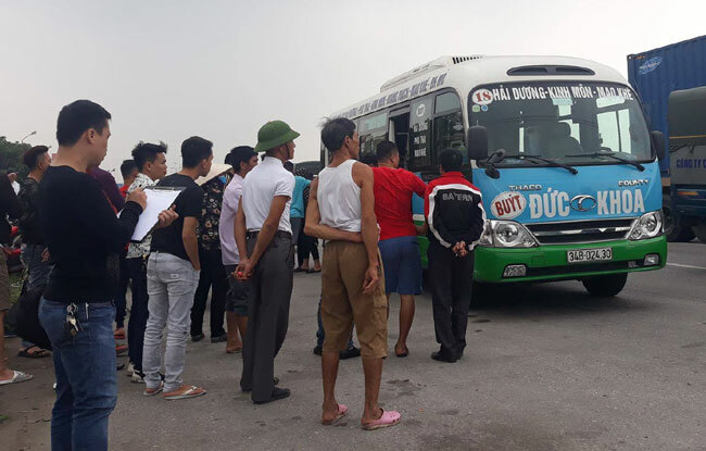 Trước khi được phát hiện chết trên xe, tài xế Phú lái xe từ nhà lên bến xe miền tâyđón khách đi Quảng Ninh.