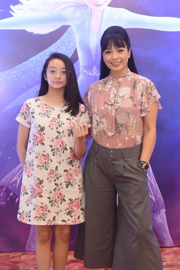 Con gái là bạn đồng hành thân thiết của cựu siêu mẫu Thúy Hằng ở nhiều sự kiện.
