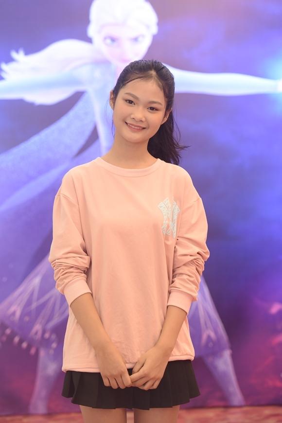 Mẫu teen Hà Thiên Trang.