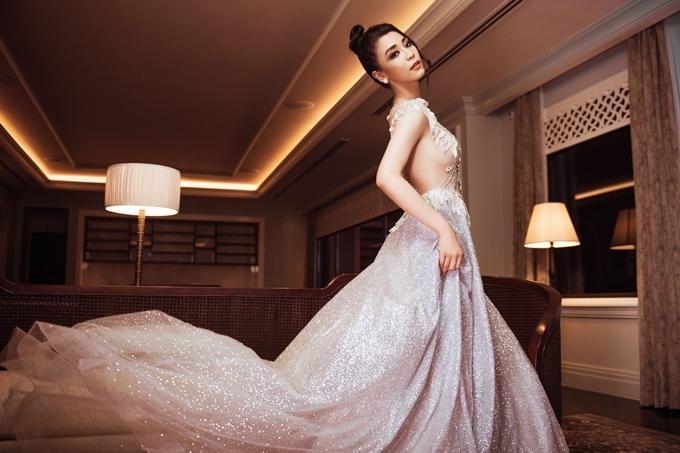 Top 45 Hoa hậu Hoàn vũ Việt Nam diện dạ hội khoe dáng (2)