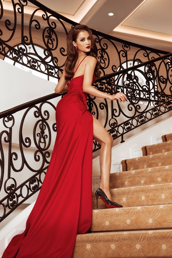 Nguyễn Thị Hương Ly thuộc nhóm thí sinh tiềm năng. Cô 24 tuổi, từng đăng quang Vietnams Next Top Model 2015.