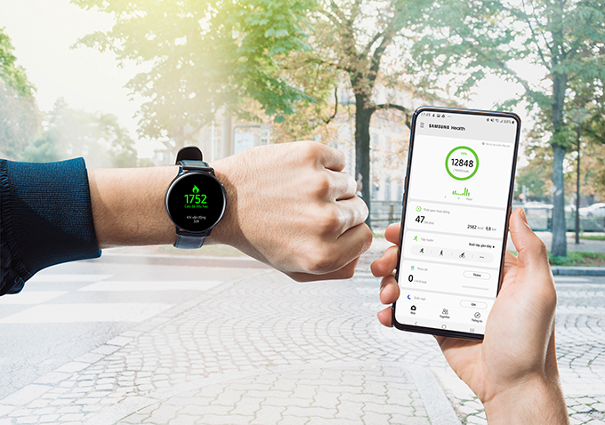 Không chỉ theo dõi toàn bộ quá trình tập luyện, Lâm còn có thể chia sẻ câu chuyện tập luyện với cộng đồng những người cùng yêu thích thể thao ngay trên ứng dụng Samsung Health