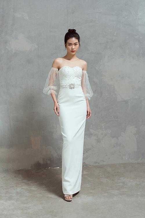 Không tự giới hạn mình ở phom dáng váy xòe, Thịnh Nguyễn còn đem tới các bộ váy dáng suông.