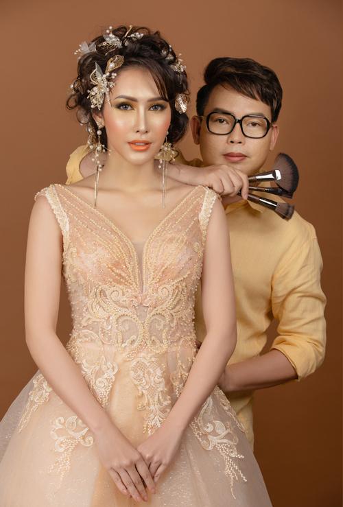 Bộ ảnh được thực hiện bởi trang điểm: Hồ Khanh, người mẫu: Hoa hậu Phan Thu Quyên, làm tóc: Lê Thịnh, chụp ảnh: Kent Nguyen, chỉnh sửa hình ảnh: Phạm Đúng.