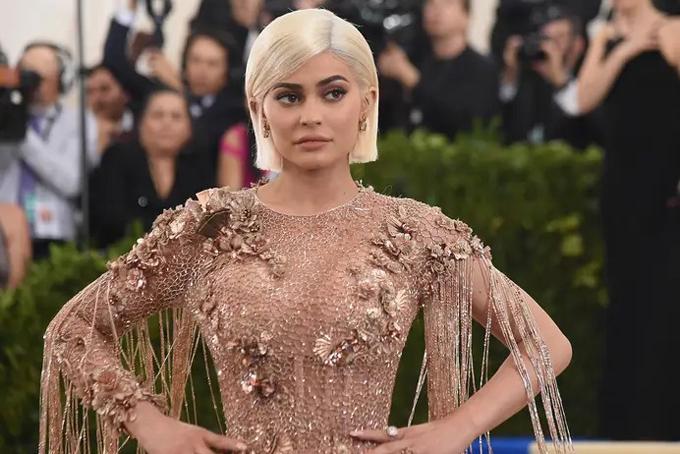 Đường tới ngôi vị tỷ phú trẻ nhất thế giới của Kylie Jenner - 8
