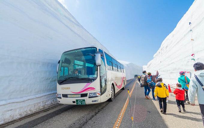Xe buýt được rất nhiều người chọn khi du lịch Nhật Bản. Ảnh: Tokyo Weekender.