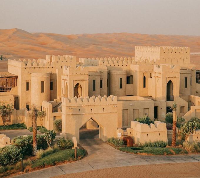 Khách sạn giữa sa mạc trong chuyến đi Dubai của nhà Minh Nhựa - 12