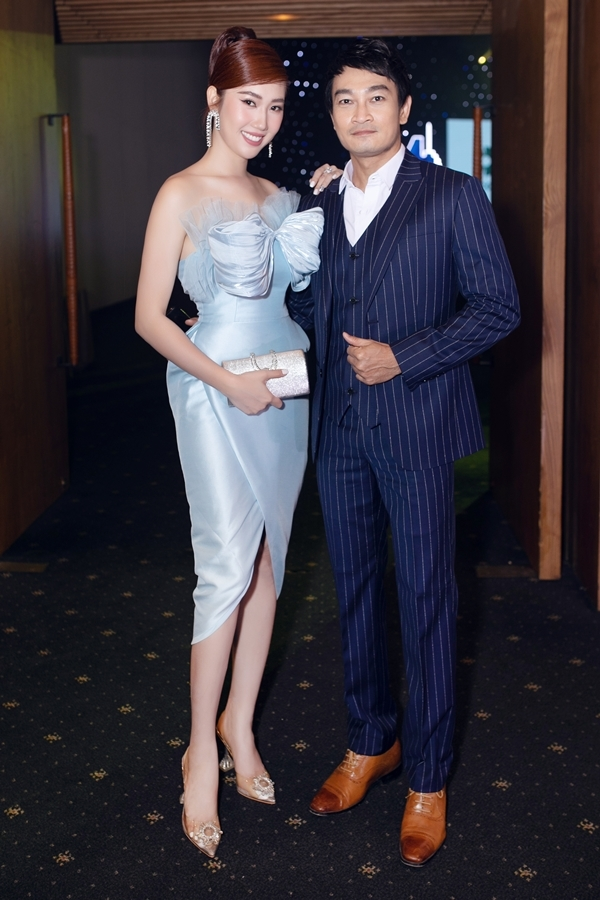 Thúy Ngân yêu mến đàn anh Quốc Thái từ nhiều năm qua, đặc biệt qua vai diễn Phát trong phim Người đàn bà yếu đuối phát sóngnăm 2002.