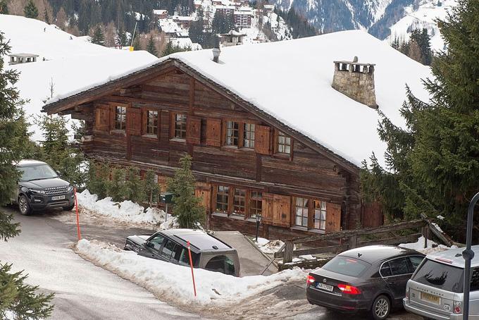 Căn biệt thự 13 triệu bảng Anh của hoàng tử Andrew ở Thụy Sĩ. Ảnh: Thesun.