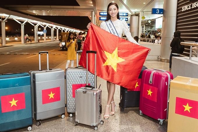 Đại diện Việt Nam mang theo 140 kg hành lý sang Anh.