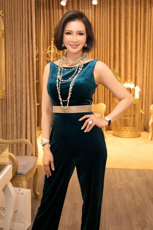 MC Thanh Mai đi event vì mối quan hệ thân thiết với Vũ Thu Phương.