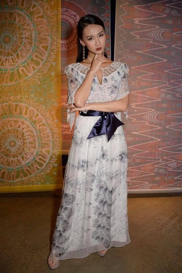 Lương Thùy Linh lùn một mẩu trong ảnh của BTC Miss World - 7