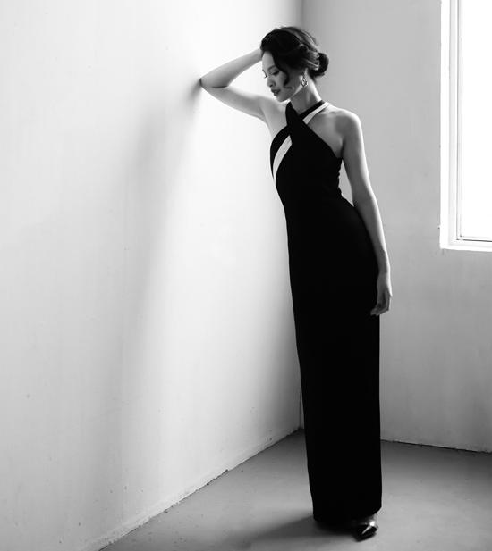 Angela Phương Trinh đụng váy với loạt mỹ nhân - 4