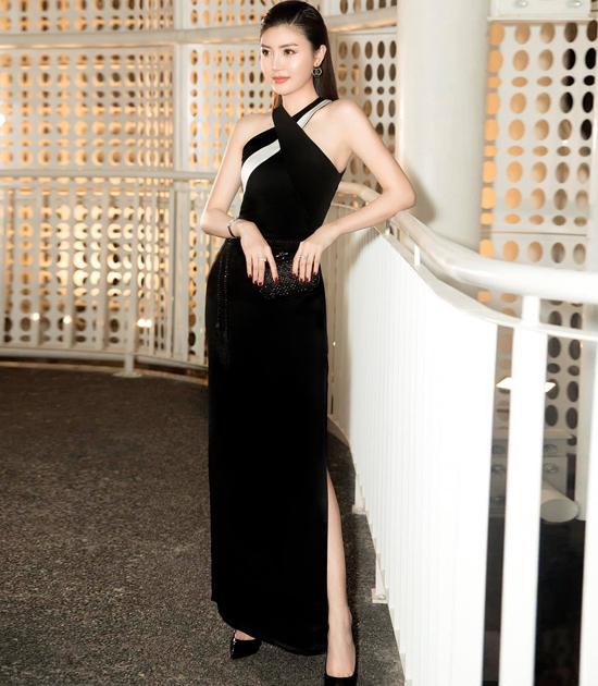 Angela Phương Trinh đụng váy với loạt mỹ nhân - 10
