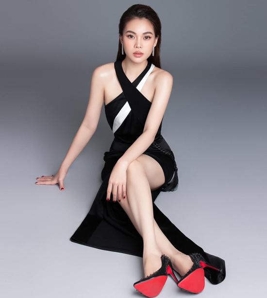 Angela Phương Trinh đụng váy với loạt mỹ nhân - 2
