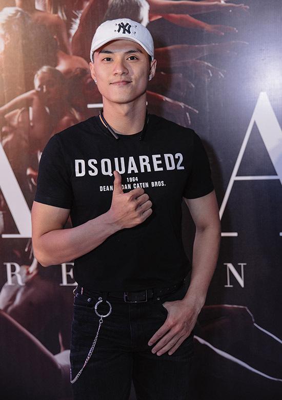 Vũ công Lâm Vinh Hải là đàn em thân thiết với John Huy Trần.