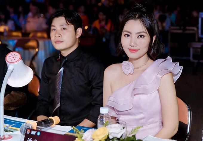 Nhạc sĩ Nguyễn Văn Chung đồng hành cùng Ngọc Lan ở vị trí giám khảo.