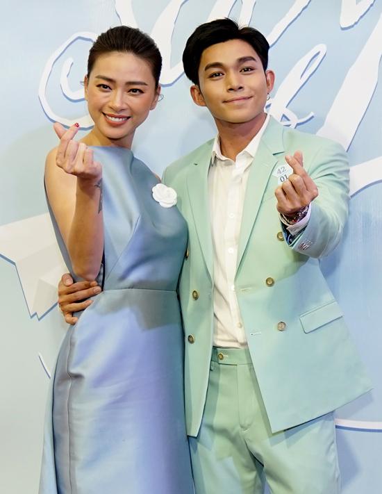 Jun Phạm gây bất ngờ khi đạo diễn phim ngắn Máy bay giấy, kể câu chuyện xúc động về hai anh embị mắc bệnh tim bẩm sinh.