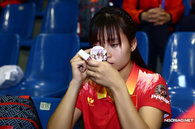 Vân Anh giành HC đồng nội dung gậy mềm hạng cân 60kg của nữ sau khi để thua võ sĩ Aye Moe Moe của Myanmar.