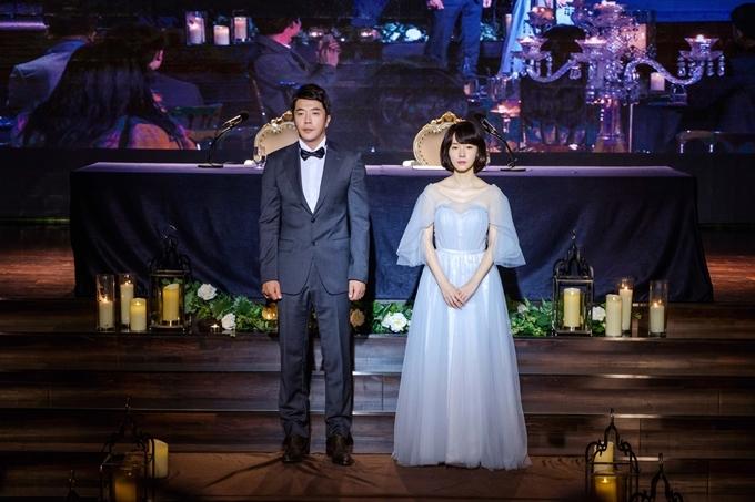 Kwon Sang Woo và Lee Jung Hyun trong phim.