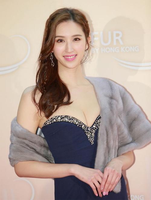 Người đẹp Hà Ngạo Nhi.