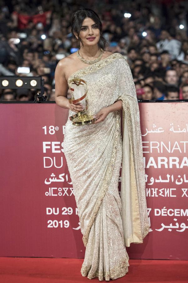 Tại sự kiện này, Priynaka được vinh danh vì những cống hiến của cô cho điện ảnh Ấn Độ và thế giới. Cô là nghệ sĩ đầu tiên của Ấn Độ giành được vinh dự này.