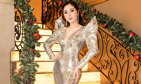 Hoa hậu Tô Diệp Hà khoe vóc dáng khi diện váy ánh kim