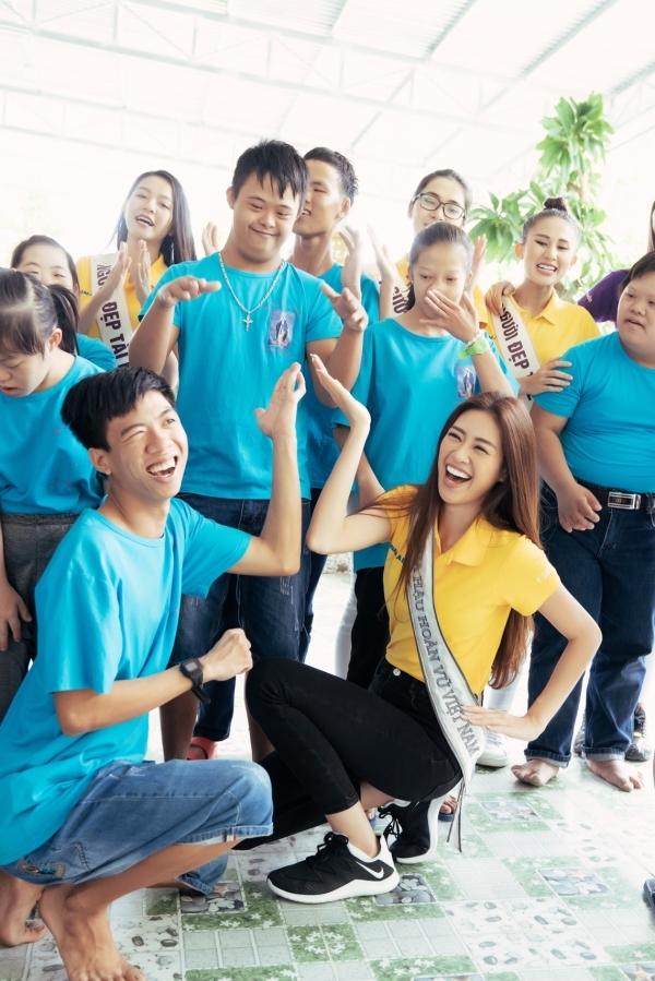 Nguyễn Trần Khánh Vân, sinh năm 1995, quê TP HCM vừa đoạt ngôi Hoa hậu Hoàn vũ Việt Nam 2019. Chiến thắng của cô gây bất ngờ nhưng