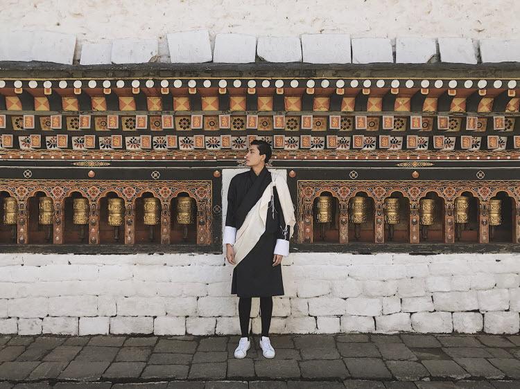 Quang Đại áp dụng triết lý tối giản cho các chuyến du lịch lẫn cuộc sống.