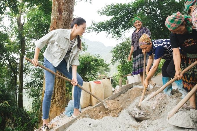 Thùy Linh mong muốn tạo ra điều kiện sinh hoạt thuận tiện hơn cho người dân ở bản Lũng Lìu.