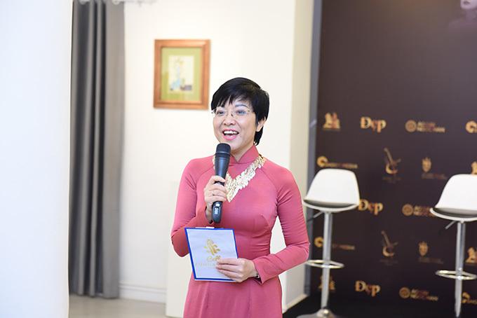 MC Thảo Vân đảm nhận vai trò dẫn dắt chương trình. Cô cũng là bạn bè thân thiết của Đinh Hoài Xuân và muốn góp sức để giúp đỡ cô thực hiện chương trình.