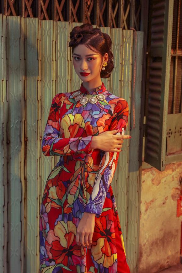 Photo: Nguyễn Du. Stylist: To Quoc Son. Make-up & làm tóc: Dương Hoàng Nhã, Nguyễn Chánh Tính, Huỳnh Hữu Tài, Hồ Thiên Tuấn. Video: Trần Huỳnh Minh Duy.