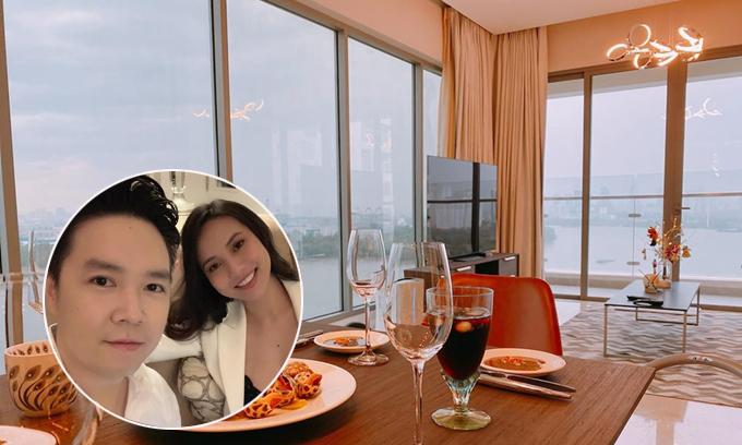 Lê Hiếu đón bạn thăm căn hộ 'view triệu đô'