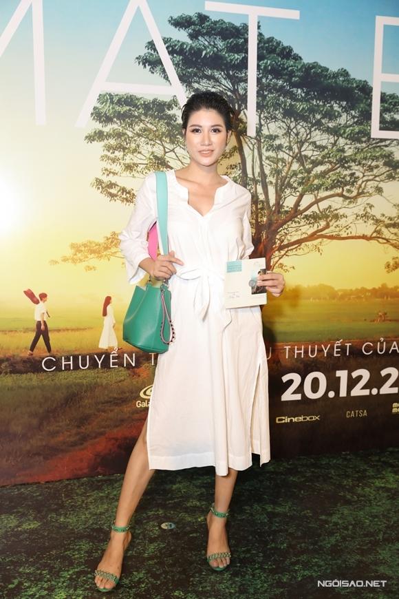 Diễn viên - người mẫu Trang Trần ủng hộ phim của các đồng nghiệp.