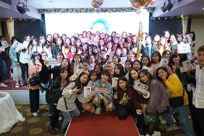 Chương trình có sự tham gia của khoảng 500 bạn trẻ, chủ yếu là học sinh và sinh viên. Họ yêu thích Bảo Hân từ vai Ánh Dương trong phim Về nhà đi con.