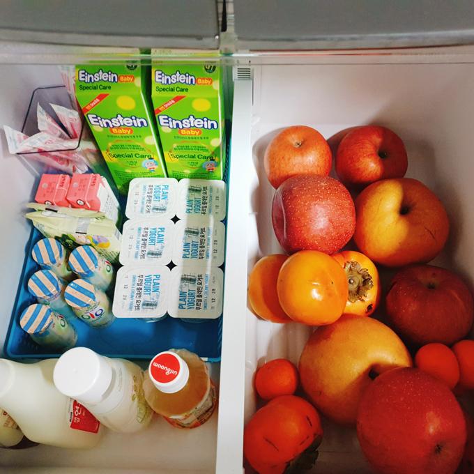 Các loại hoa quả được rửa sạch. Nếu hoa quả không dùng ngay, Dịu sẽ để cho vào hộp cất vào tủ lạnh.
