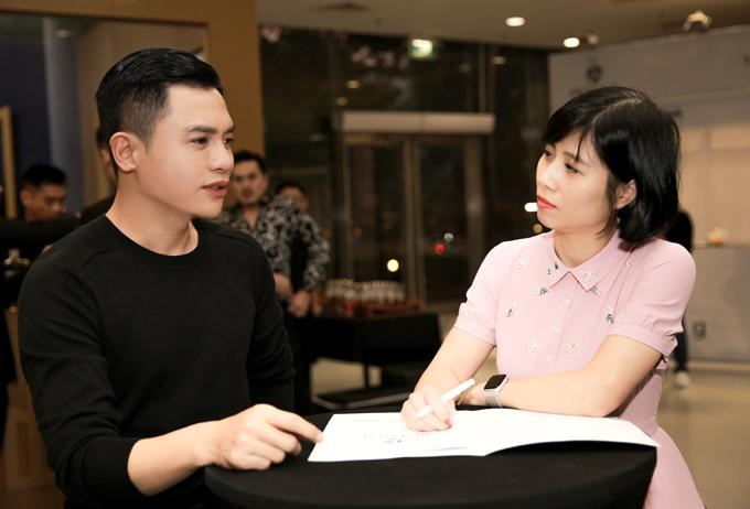 Giám khảo -chuyên gia trang điểm Nam Trung đã có buổi làm việc riêng với đại diện Ban tổ chức từ hôm 28/12.