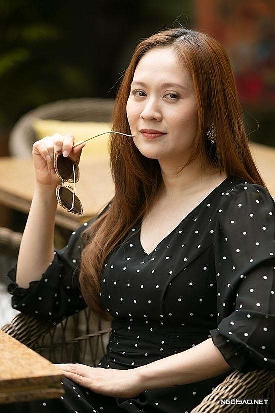 Diễn viên - nhà sản xuất Thanh Thúy chấm chính hạng mục Ngôi sao Phim ảnh cùng đạo diễn Nguyễn Quang Dũng.