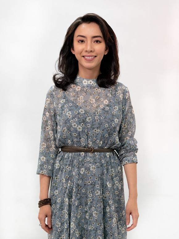 Hoa hậu hài Thu Trang thì bảo, cô ao ước được đóng phim của Nguyễn Quang Dũng từ lâu nên khi nhận được lời mời của êkíp, cô nhận lời mà không đắn đo nhiều.