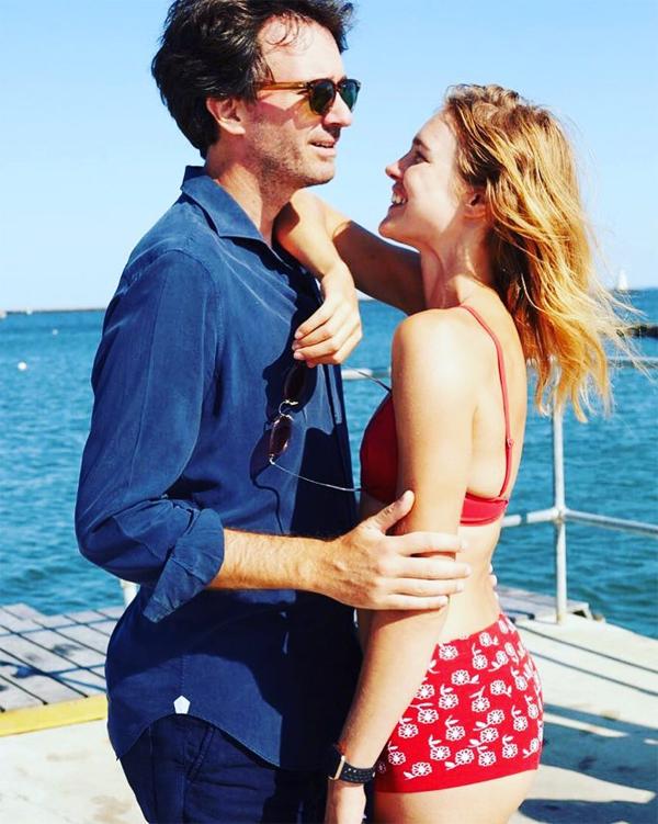 Natalia sắp cưới doanh nhân Antoine Arnault, 42 tuổi sau 9 năm gắn bó và có hai con chung. Vị hôn phu của cô là con trai của tỷ phú Pháp Bernard Arnault - người giàu thứ ba thế giới với khối tài sản 111 tỷ USD.