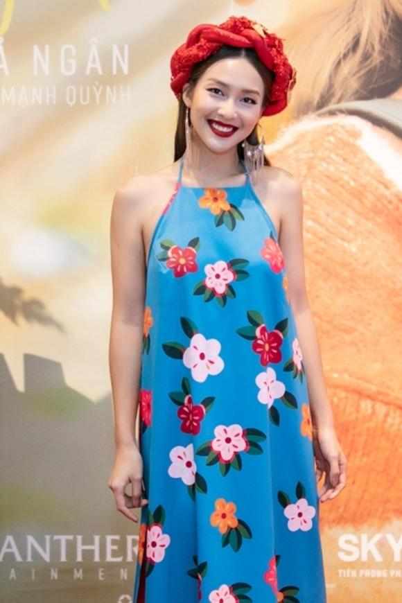 Khả Ngân đặt mua ca khúc Cô gái Việt Nam của nhạc sĩ Phan Mạnh Quỳnh cách đây hơn bốn năm. Song khi đó, cô chưa đủ tự tin để theo đuổi con đường ca hát. Hiện giờ, sau khi thành lập công ty giải trí riêng, nữ diễn viên sinh năm 1997 cảm thấy đây là thời điểm chín muồi để cô phát triển thành một nghệ sĩ đa năng, vừa đóng phim vừa ca hát và tự đầu tư cho sản phẩm cá nhân. Khả Ngân nuôi tham vọng trong năm 2020 sẽ phát hành một album gồm 10 bài hát và năm MV.