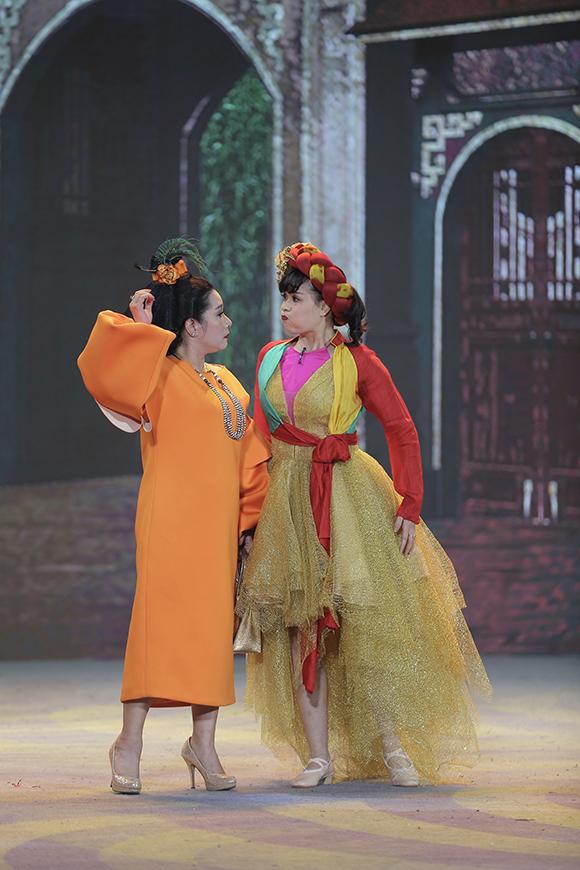 Trong khi đó, Thanh Thanh Hiền vào vai bà Phó Đoan - vợ của Xuân Tóc Đỏ.