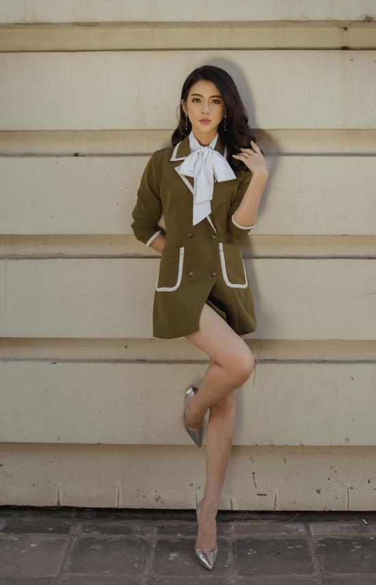 Blazer dress là một trong những xu hướng nổi bật ở mùa mốt 2019 và chúng tiếp tục được các nhà mốt khai thác trong bộ sưu tập mới.