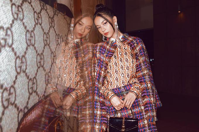 Sự nỗ lực của Phí Phương Anh luôn được các nhà mốt, giám đốc sáng tạo, tạp chí uy tín đánh giá cao. Năm 2018 cô vinh dự nhận được giải thưởng Người mẫu phong cách nhất của năm do tạp chí Ellle bình chọn.