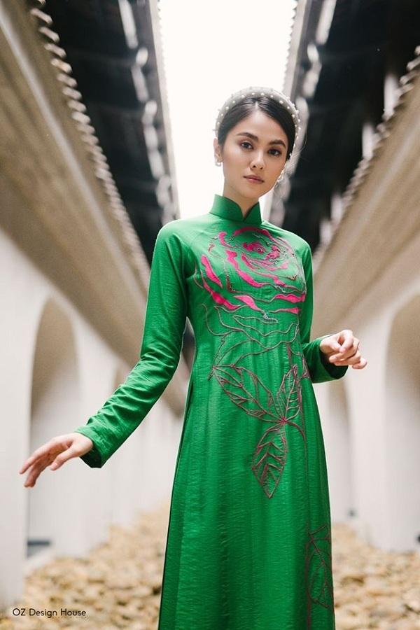 Sự pha trộn màu sắc hài hòa cùng đường nét họa tiết mềm mại không chỉ thể hiện được phong cách riêng mà còn mang lại sự thanh thoát, thi vị cho người mặc.
