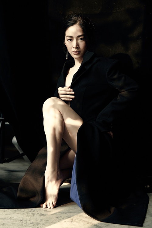 Tạo hình bốc lửa và lối ăn mặc phóng khoáng cũng được Mai Thanh Hà đầu tư cho vai diễn. Để lưu lại kỷ niệm sau khi phim kết thúc, Mai Thanh Hà đã thực hiện bộ ảnh mới.