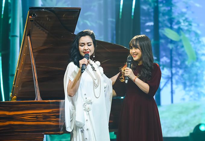 Thiện Thanh là trái ngọt đầu tiên trong cuộc hôn nhân của ca sĩ Thanh Lam và nhạc sĩ Quốc Trung. Sau khi bố mẹ chia tay, cô cùng em trai sống với bố. Không ở chung nhưng cả Thiện Thanh và Quang Đăng đều chịu ảnh hưởng rất lớn từ mẹ.