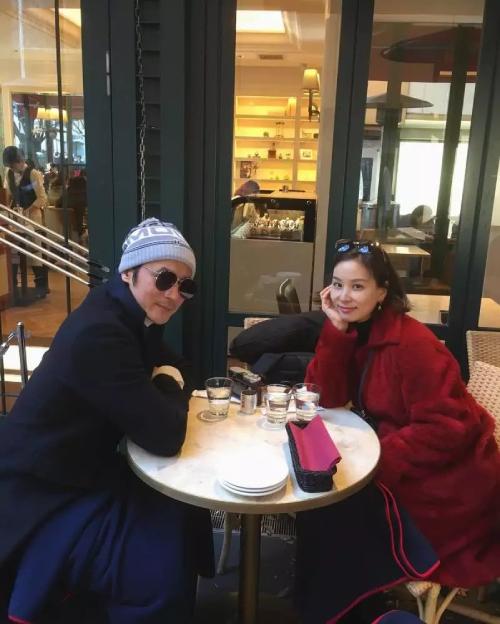 Jang Dong Gun và vợ luôn được cho là một đôi rất hạnh phúc.
